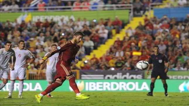 مشاهدة مباراة اسبانيا ومقدونيا بث مباشر يوتيوب لايف اون لاين جودات متنوعة من أبو ظبي الرياضية 5 بتعليق حماد العنزي في التصفيات