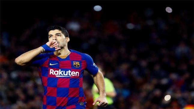 تقارير: برشلونة توصل لاتفاق نهائي مع سواريز بشأن رحيله