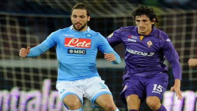مشاهدة مباراة نابولي وفيورنتينا بث مباشر اليوم والأزرق المتميز في معركة كروية أمام الفيولا الرهيب